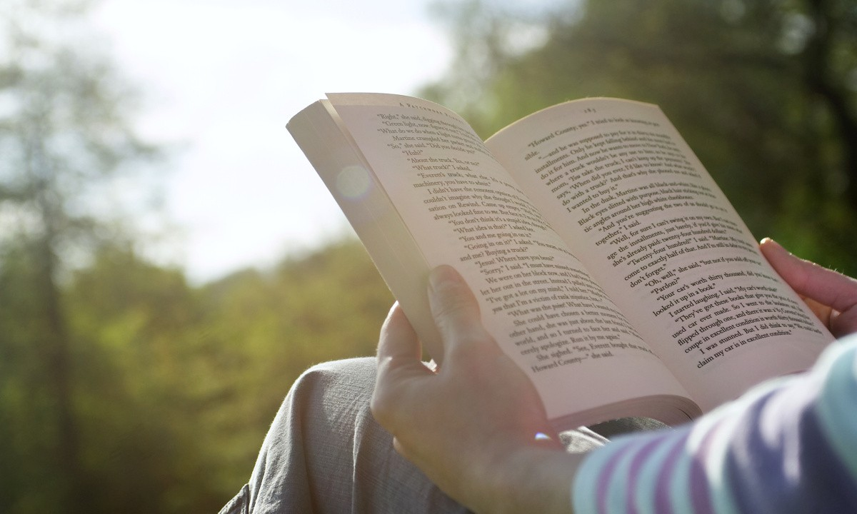 Leggere libri allunga vita l 39 eco di san gabriele for Leggere libri